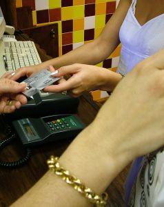 credit-payment-2-213544-m.jpg