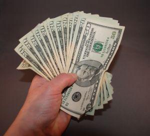 money-in-hand-1035691-m.jpg