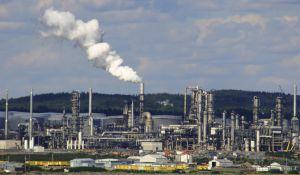 oil-refinery-573525-m.jpg