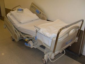 800px-Hospital_Bed_2011